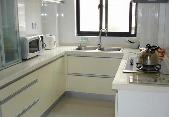 4平米家庭小厨房装修效果图,你绝对想不到