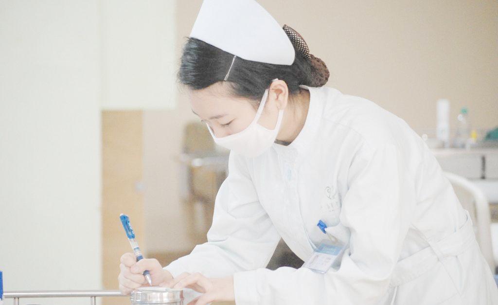 亚洲护士无码_为什么不能找护士做女朋友?