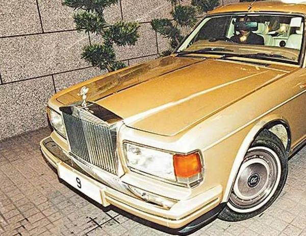 王健林的座驾包括一辆跟了他20多年的奔驰s600图片