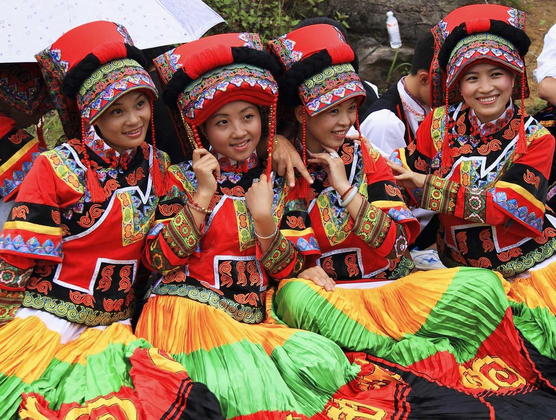 彝族�y�j��f�/&��9�c9��_[新闻]彝族火把节和楚雄双柏县摸奶节的由来