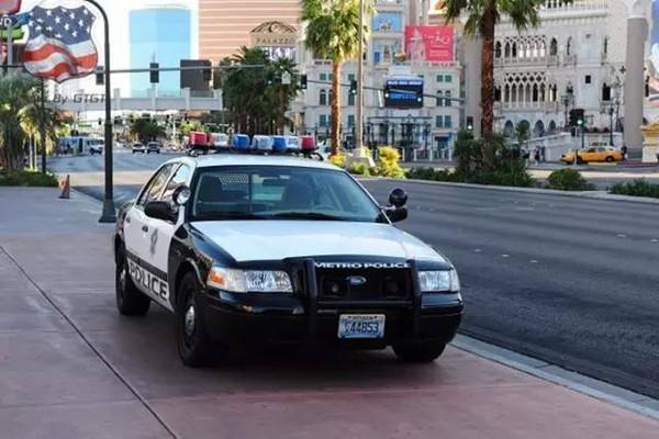 瞧瞧各国警察开啥车上班 ? 中国的在后面
