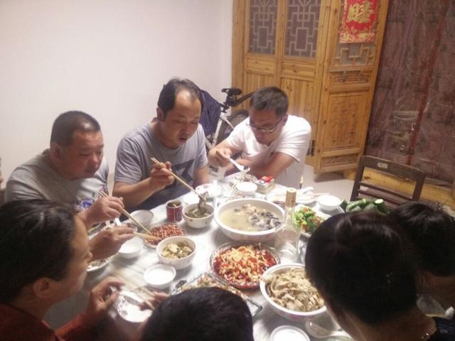 头条们的挚友号美食!2017美食节淮安图片