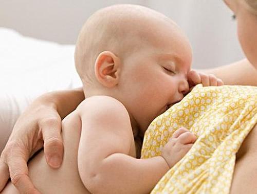 哺乳期宝宝忽然罢奶,该怎么光复宝宝吃奶的兴致