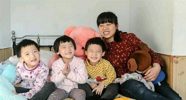 """三胞胎全患脑瘫 """"生蚝妈妈""""为爱救女"""