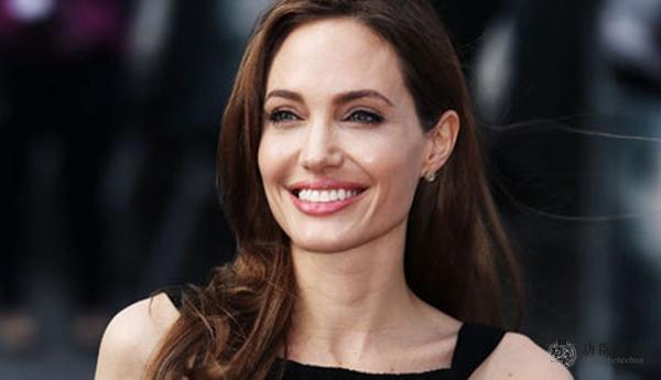 2019好莱坞女星排行_整容50次,真正的僵尸脸