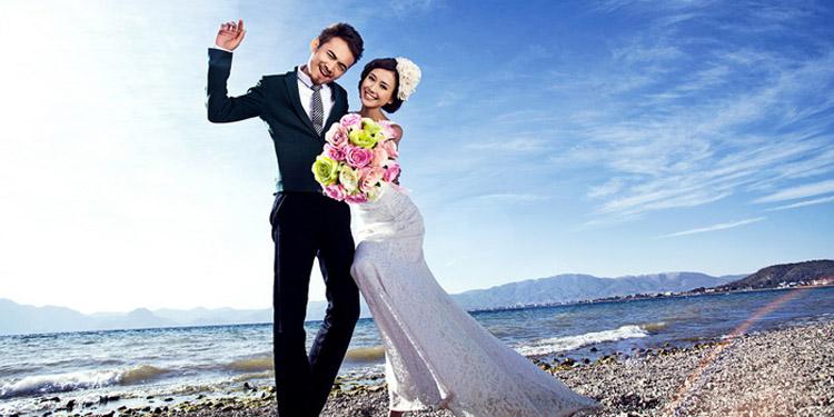 婚纱照怎么拍最好看?4个经典动作必须会!