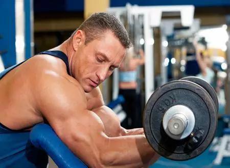 如何利用自身体重练手臂?锻炼手臂肌肉