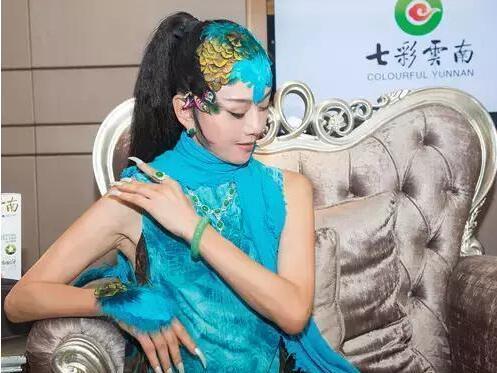 【珠宝秀场】七彩云南翡翠 杨丽萍倾情代言十余年
