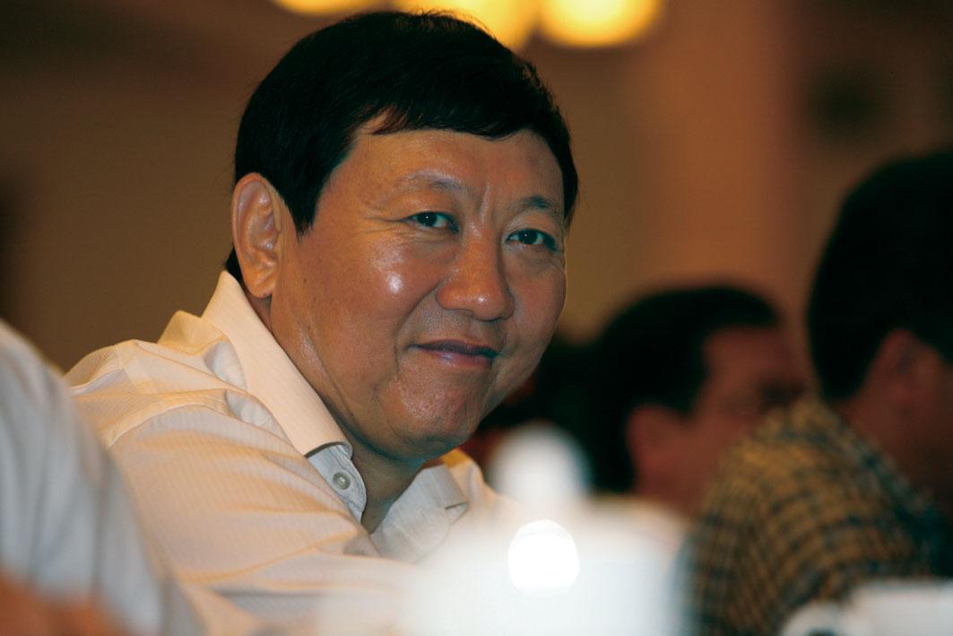 蒙牛乳业集团的创始人牛根生1958年1月25日生于呼和浩特.