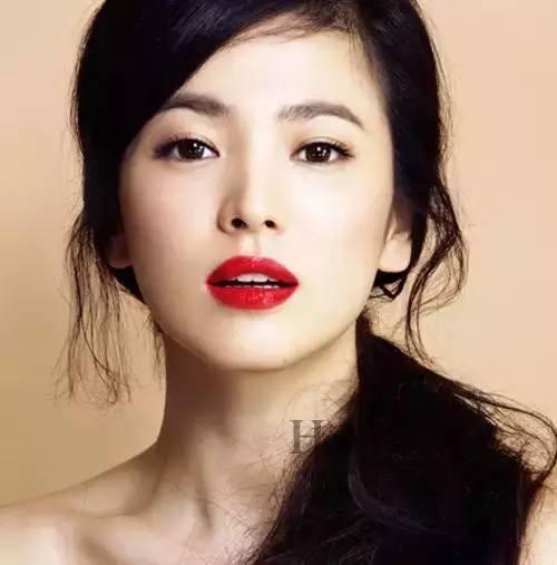 宋慧乔换一次发型火一次,就从37岁美回17岁!