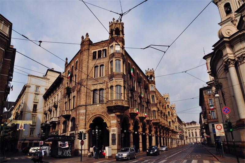 意大利都灵,汽车文化与意式巧克力之都