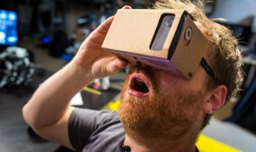 谷歌Cardboard更新版?Android VR或即将发布