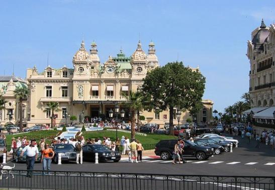 摩纳哥人均收入_摩纳哥王妃夏琳