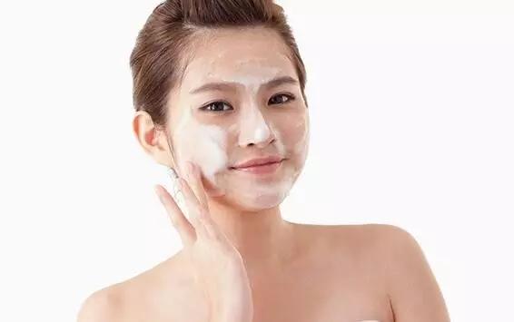 擦脸-这样做可以让护肤品吸收效果up up up