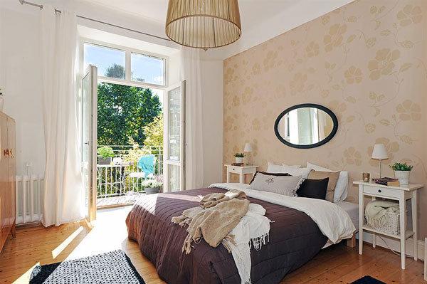 欧式卧室壁纸灯饰窗帘效果图