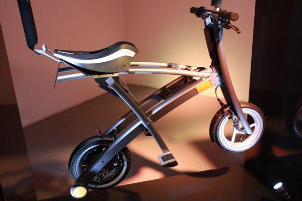 stigo电单车采用了弧形以及三角形结构