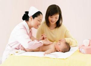 刚出生小宝宝的护理保健应该怎么做?