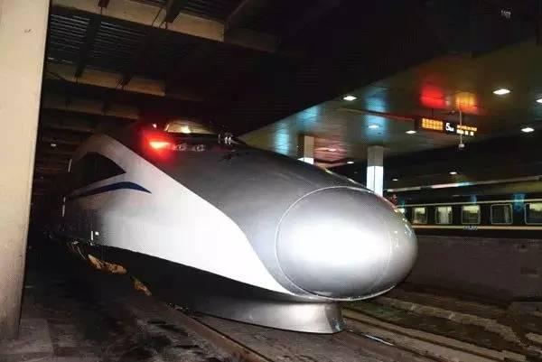坐高铁动车,有一等坐和二等坐,有什么不同吗? - 懂得