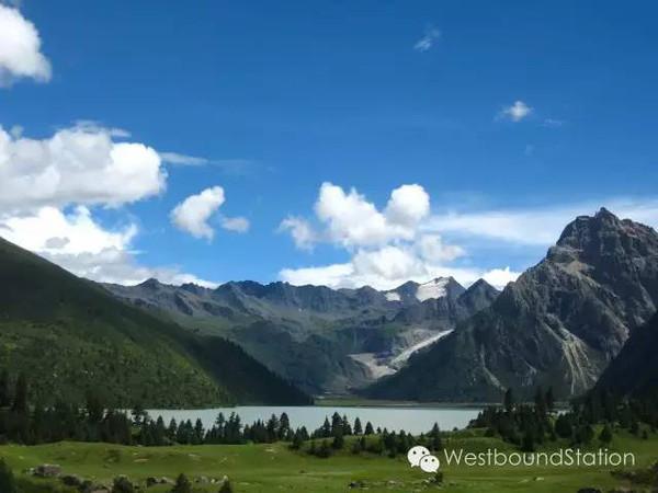 ��(��l$yil_yilhun lhatso : the sacred glacial lake