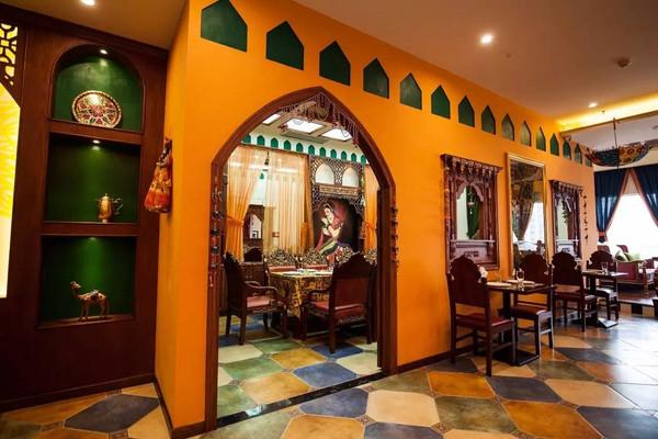 这个印度人在宜宾开了第一家印度餐厅,服务员,dancer