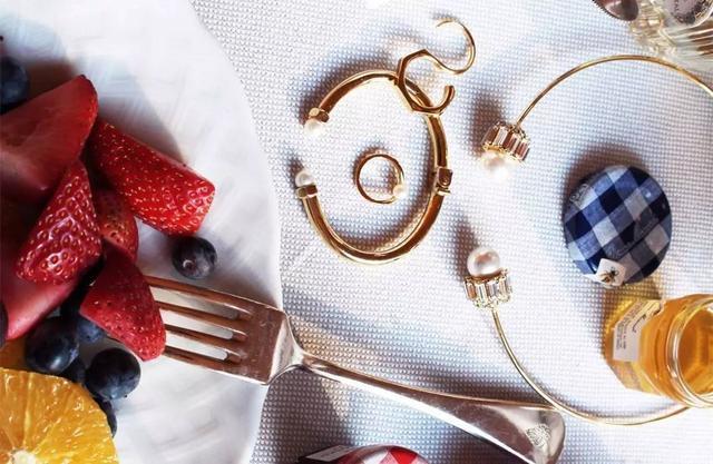 时尚达人最爱的时髦手环 心动无比的手环美出境界