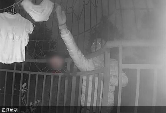监控拍摄偷女人内衣