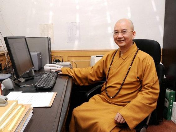 科技 正文  学诚法师,俗名傅瑞林,1966年8月出生于莆田仙游一个佛教图片