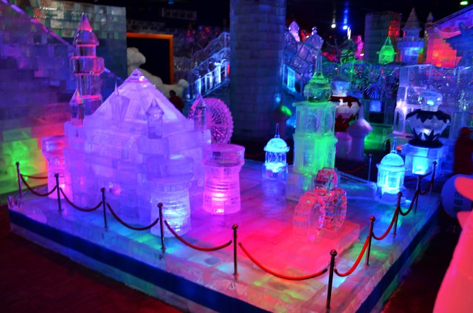 该馆建成后将成为我省最大的室内冰雪主题乐园之一,还将整合现有资源图片