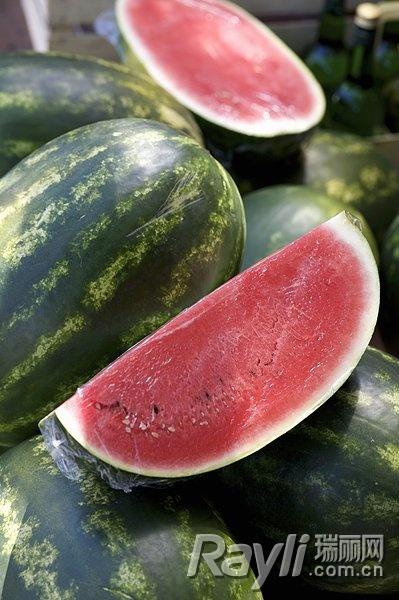 吃法减肥的正确西瓜a吃法睡觉又减脂啥减肥晚上能姿势解暑图片