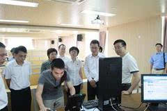 蓝佛安副省长视察广州高考应用人脸识别