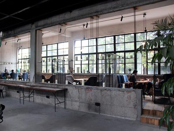 荐店|这个旧厂房改造的咖啡馆把极限挑战男人帮都引来图片