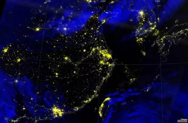声音二:看夜景图,倘若徐州主城区与贾汪区实现连接,主城规模感觉会被迅速放大.