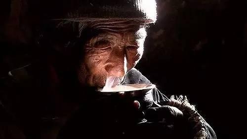 想了解下关于茶的知识 嘎嘎嘎!!谢谢