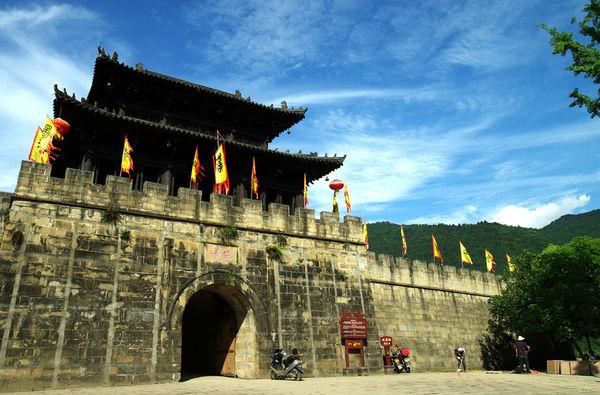 携程网欧洲旅游:宣传推介成效显br上海旅游包机团游客走进焦作