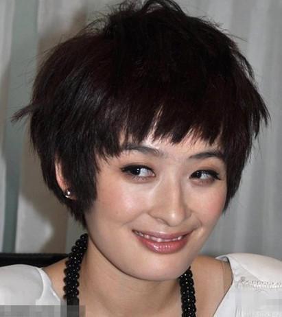 女神李小冉剪短发了,但是撞脸曾轶可也是够了!图片