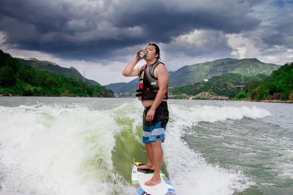 福州极限死球v极限节,美国首届顶级带流焰悠悠球是游艇么图片