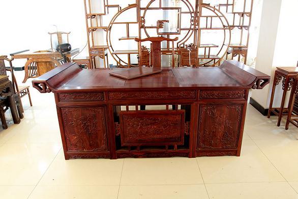 古典中式衣柜内部结构