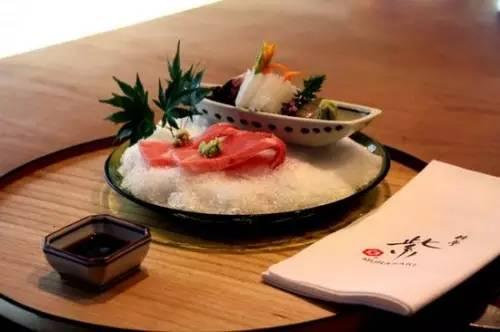 哪种外国就餐的风俗习惯亮瞎你的眼?