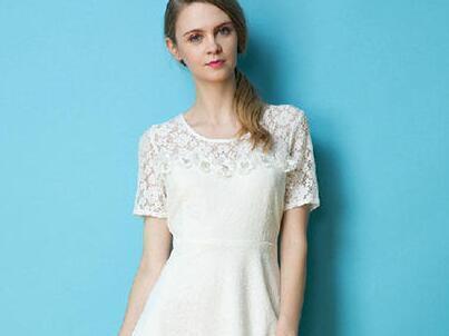 时尚修身简约唯美连衣裙,凸显完美身材!