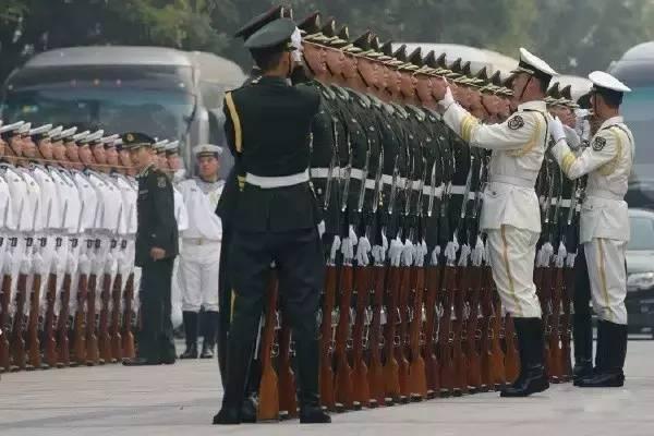军人的团体照