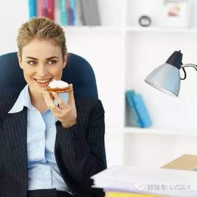 减肥最佳吃饭时间图片