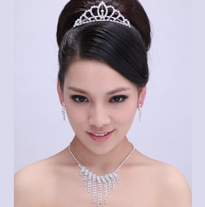 皇冠新娘头纱更显公主气质_韩影古风图片