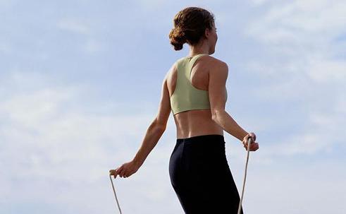肌肉拉伤继续运动图片