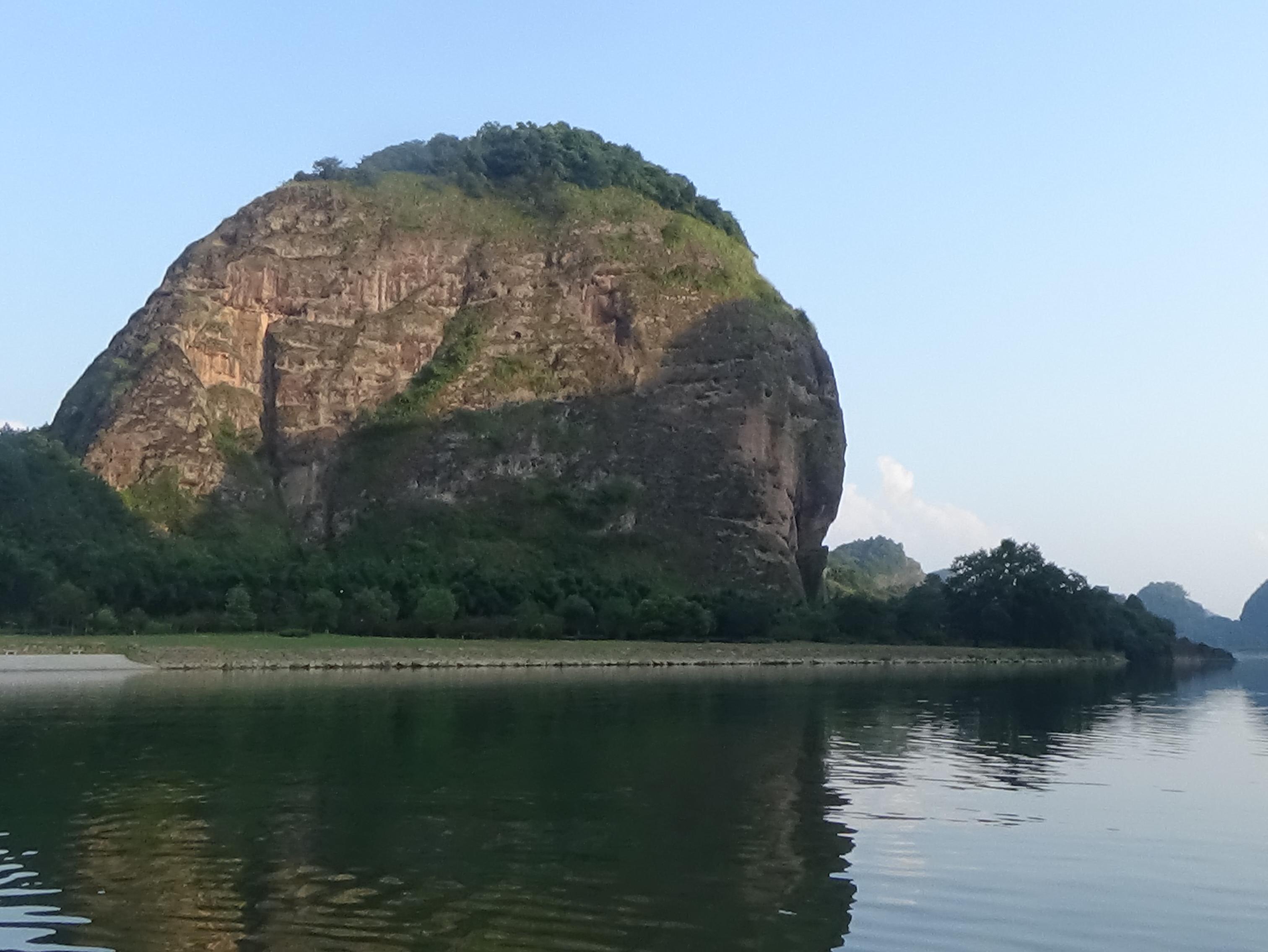 沐浴在夕阳下,飘在芦溪河畔看风景!