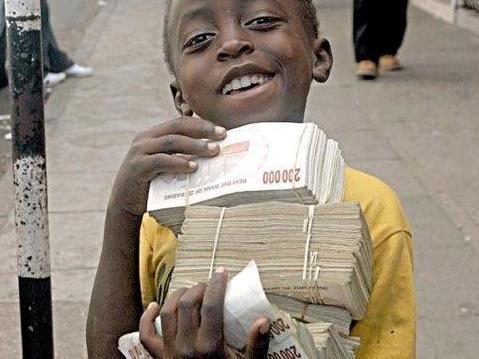 在编个国家人民币是法定货币,中国车是权贵呼
