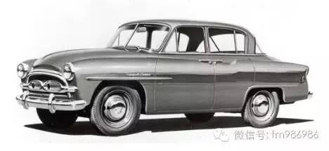 【第二代皇冠:1962-1967年】车身尺寸明显增加,首次使用皇冠车高清图片