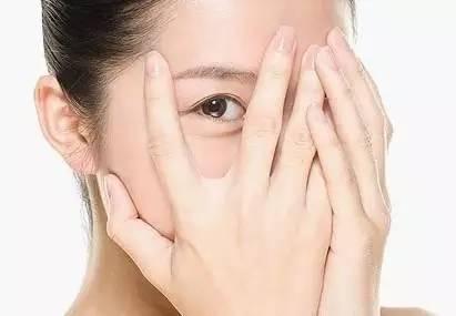 统计,我国人口近视发生率为33%,全国近视眼人数已近4亿,达到世