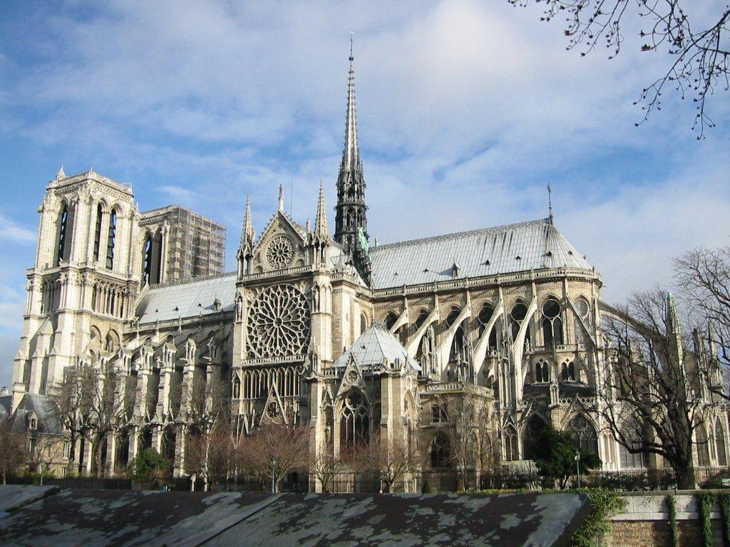 巴黎圣母院座落于巴黎市中心塞纳河中的西岱岛上的天主教教堂,也是天