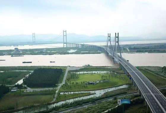 世界十大悬索桥你更喜欢哪一个(附悬索桥缆索施工动画)图片