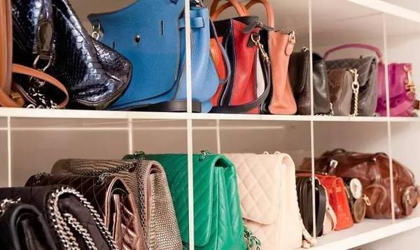 女人衣柜这样整理,衣服再多也不怕乱